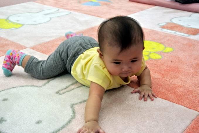 赤ちゃん ハイハイスペース1.jpg