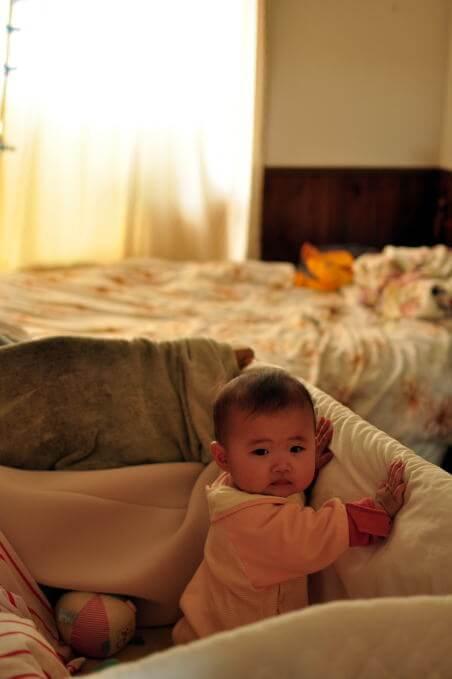 赤ちゃん つかまり立ち1.jpg