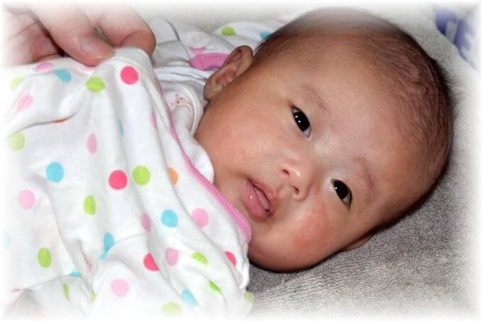 赤ちゃん 2か月1.jpg
