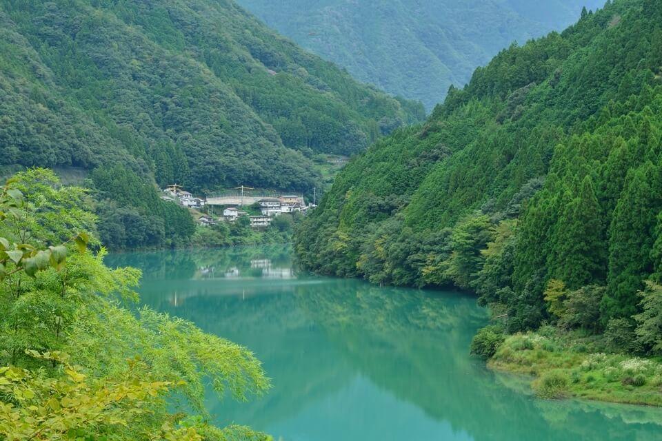 熊野川の蒼さ.jpg