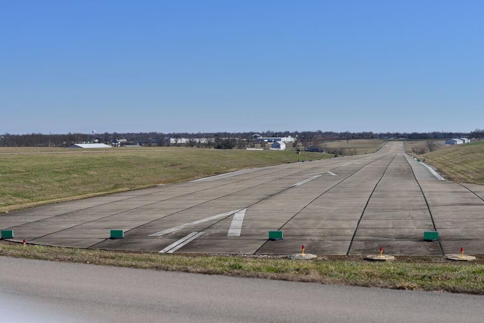 ルーカスフィールド 空港1.jpg