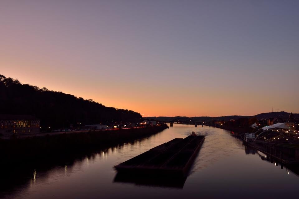 チャールストンWVカノーワ川1.jpg