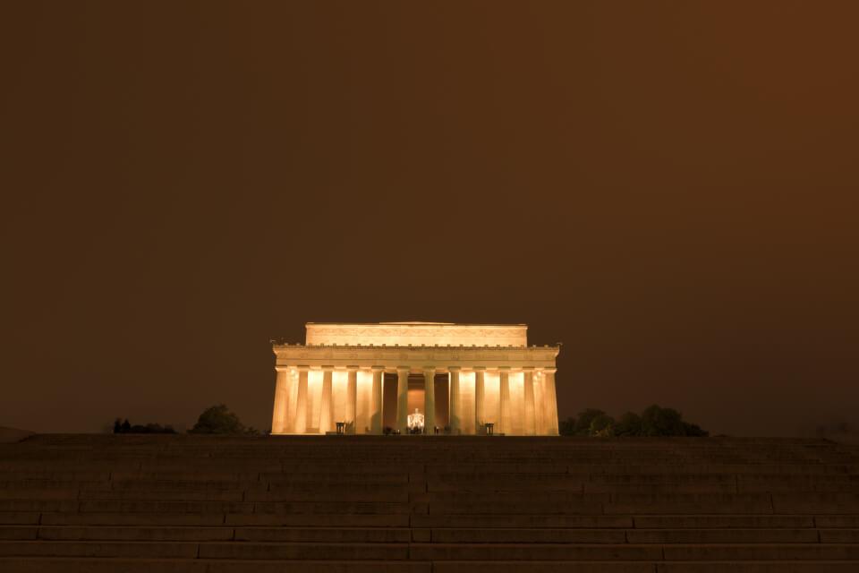 リンカーンメモリアル写真1.jpg