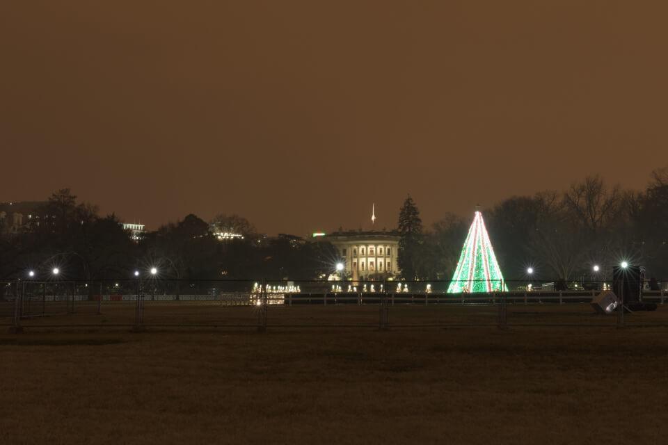 ホワイトハウス夜景写真1.jpg