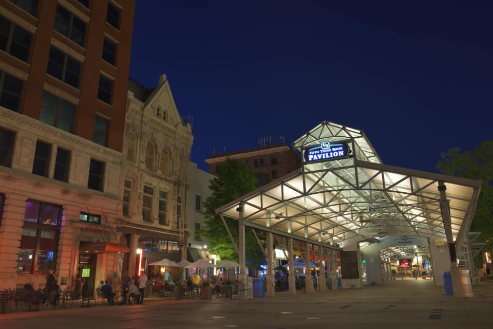 レキシントン・ケンタッキー州ダウンタウンの夜景写真撮影
