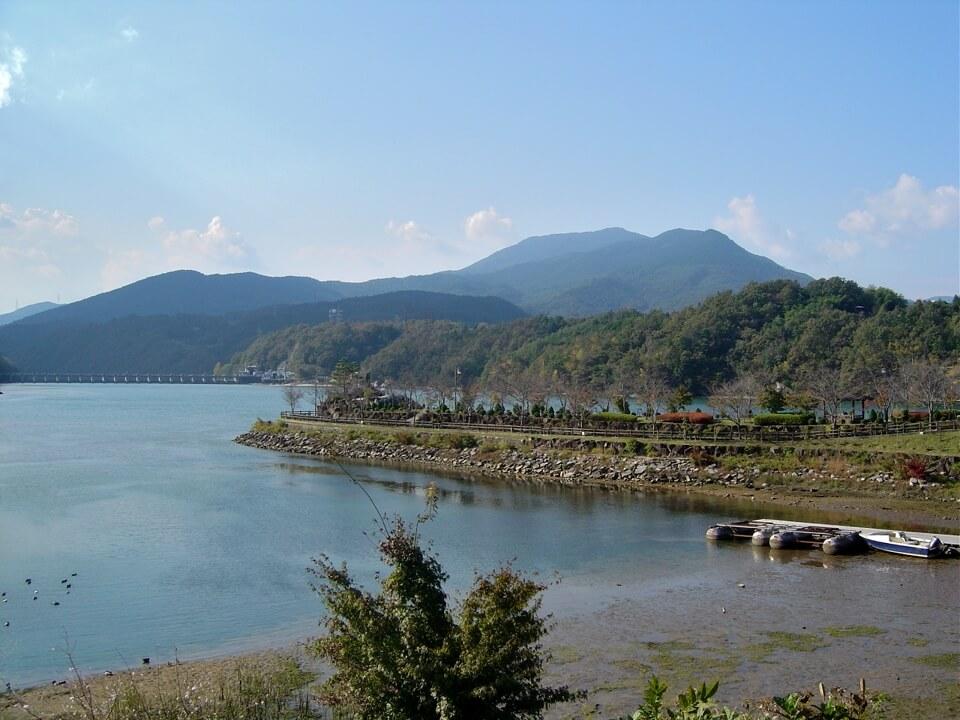 恵那峡・傘岩の写真