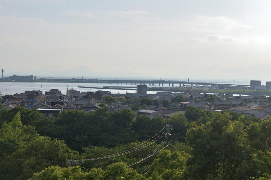 みたけ公園展望台と御嶽神社の写真