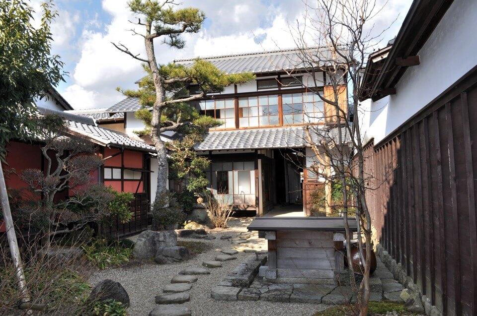 岩村町なまこ壁の写真