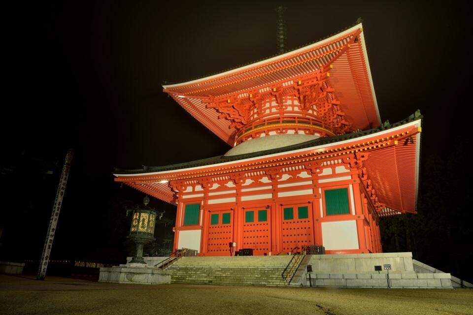 根本大塔の夜景写真