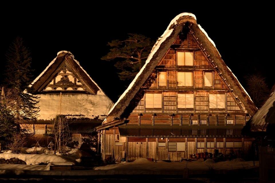 白川郷ライトアップ夜景写真
