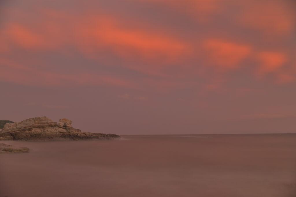 野間埼灯台の夕陽写真
