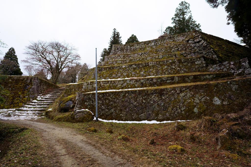 岩村城の六段石垣写真