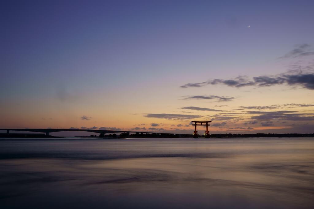 浜名湖弁天島赤鳥居の夕陽写真